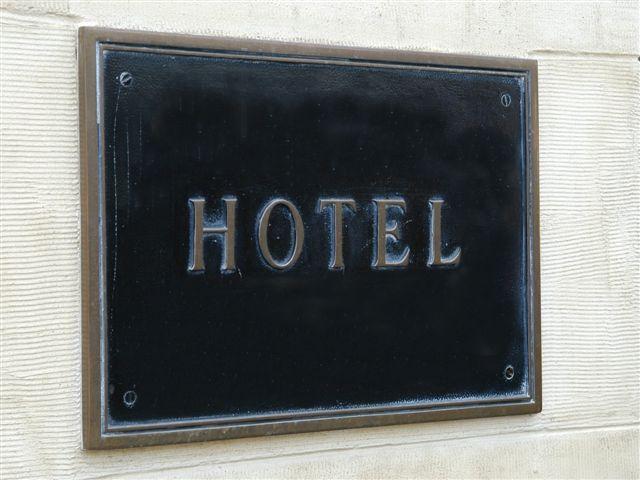 HO -704  Hôtel sur Emplacement N°1