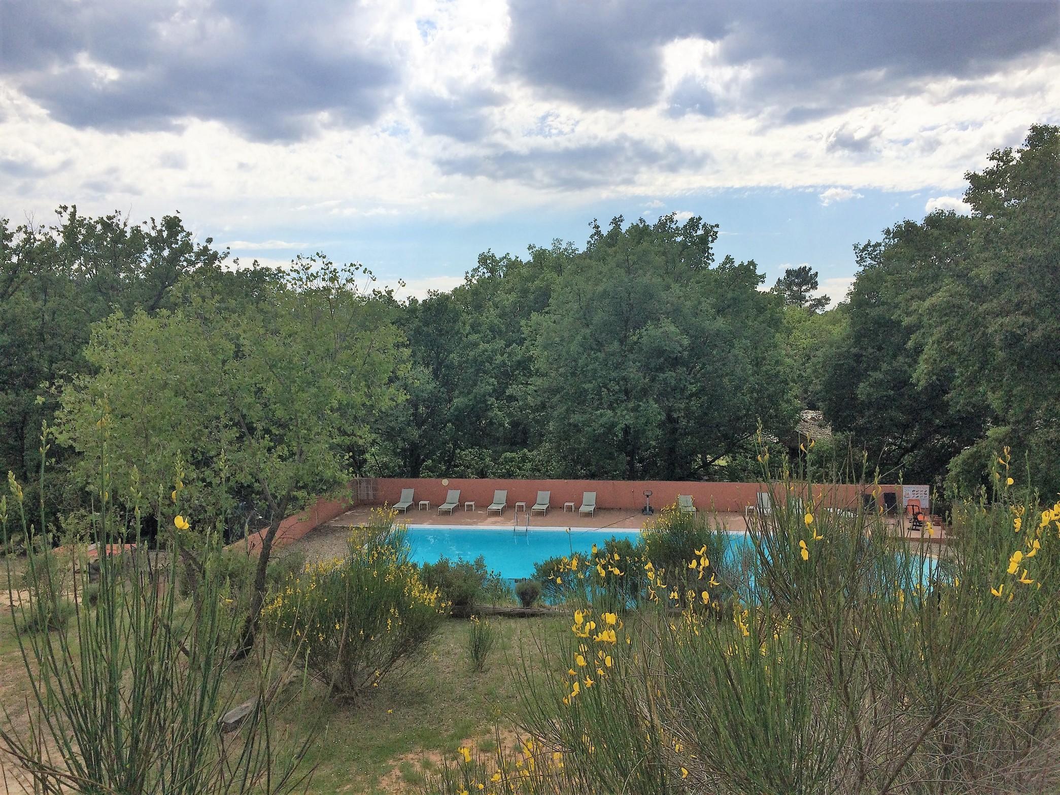 Village de vacances sur emplacement de 1er ordre ref vv for Village vacances piscine
